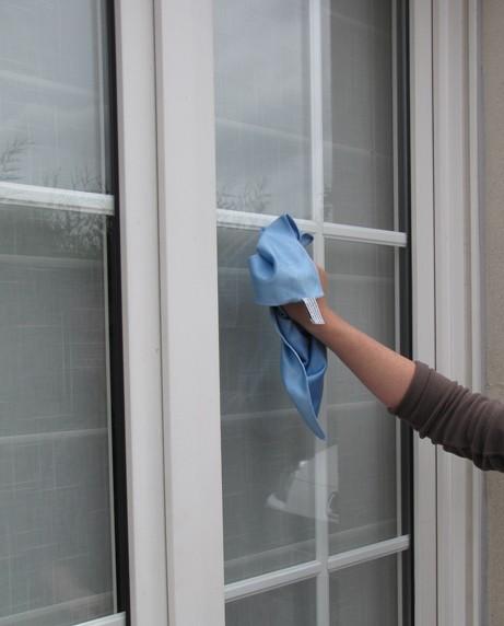 Lavette microfibres sp cial vitres sodisgro for Densite du verre a vitre